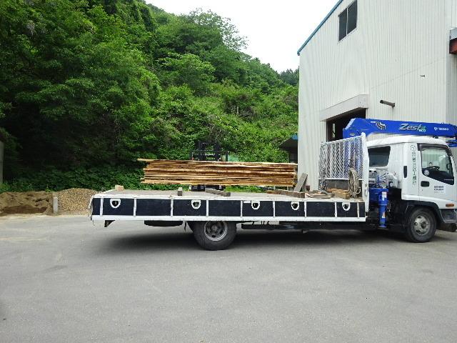 岩手県産赤松の天板が入荷しました。_f0105112_04141456.jpg
