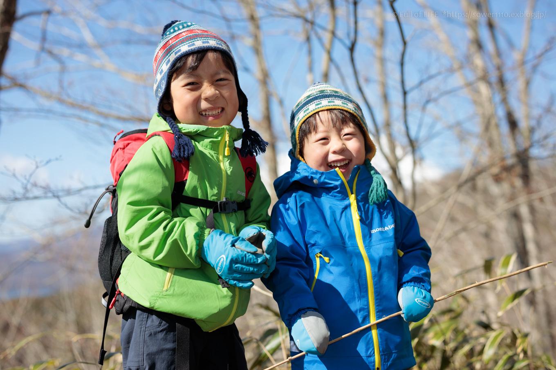 ちびっ子兄弟のチャレンジ春登山「石割山~平尾山」_c0369219_13500765.jpg