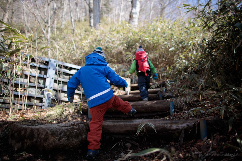 ちびっ子兄弟のチャレンジ春登山「石割山~平尾山」_c0369219_13540998.jpg