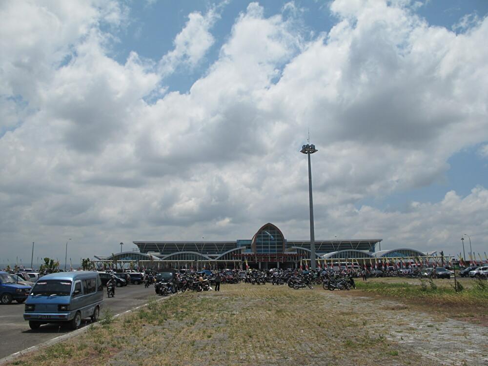 回顧 ロンボクの風景 空港の場所 _a0310535_18363118.jpg
