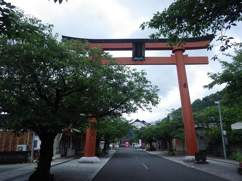 祐徳稲荷神社へ_e0164643_10232421.jpg