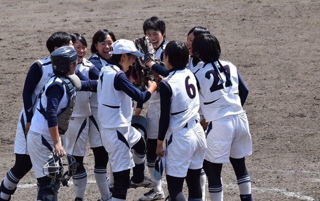 高校ソフトボールインターハイ予選_d0106648_19445617.jpg