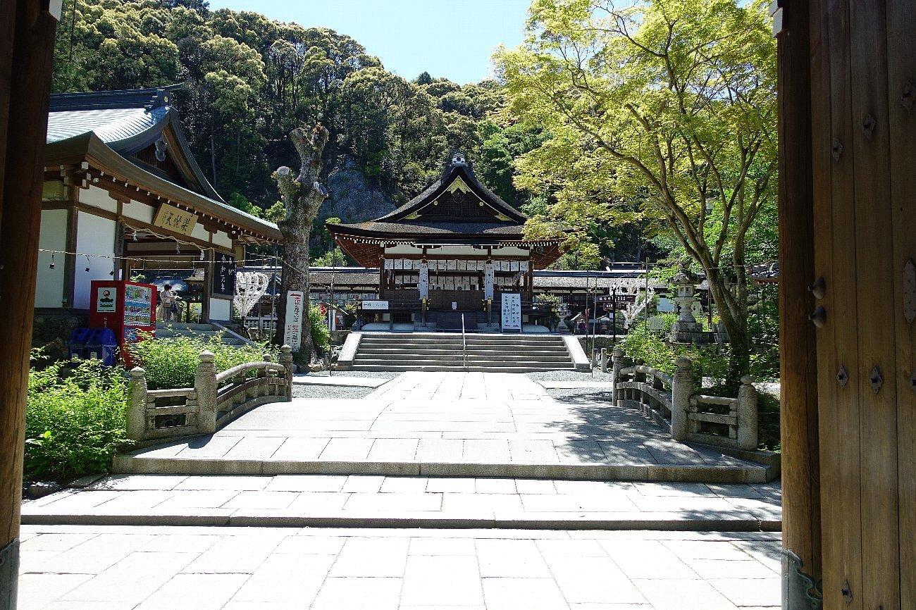 松尾大社 社殿(その1)_c0112559_07333418.jpg