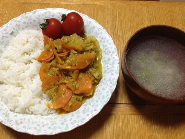 カレー(にんじん、たまねぎ、お米みたいなブロッコリー、シーチキン)_e0097895_15200554.jpg
