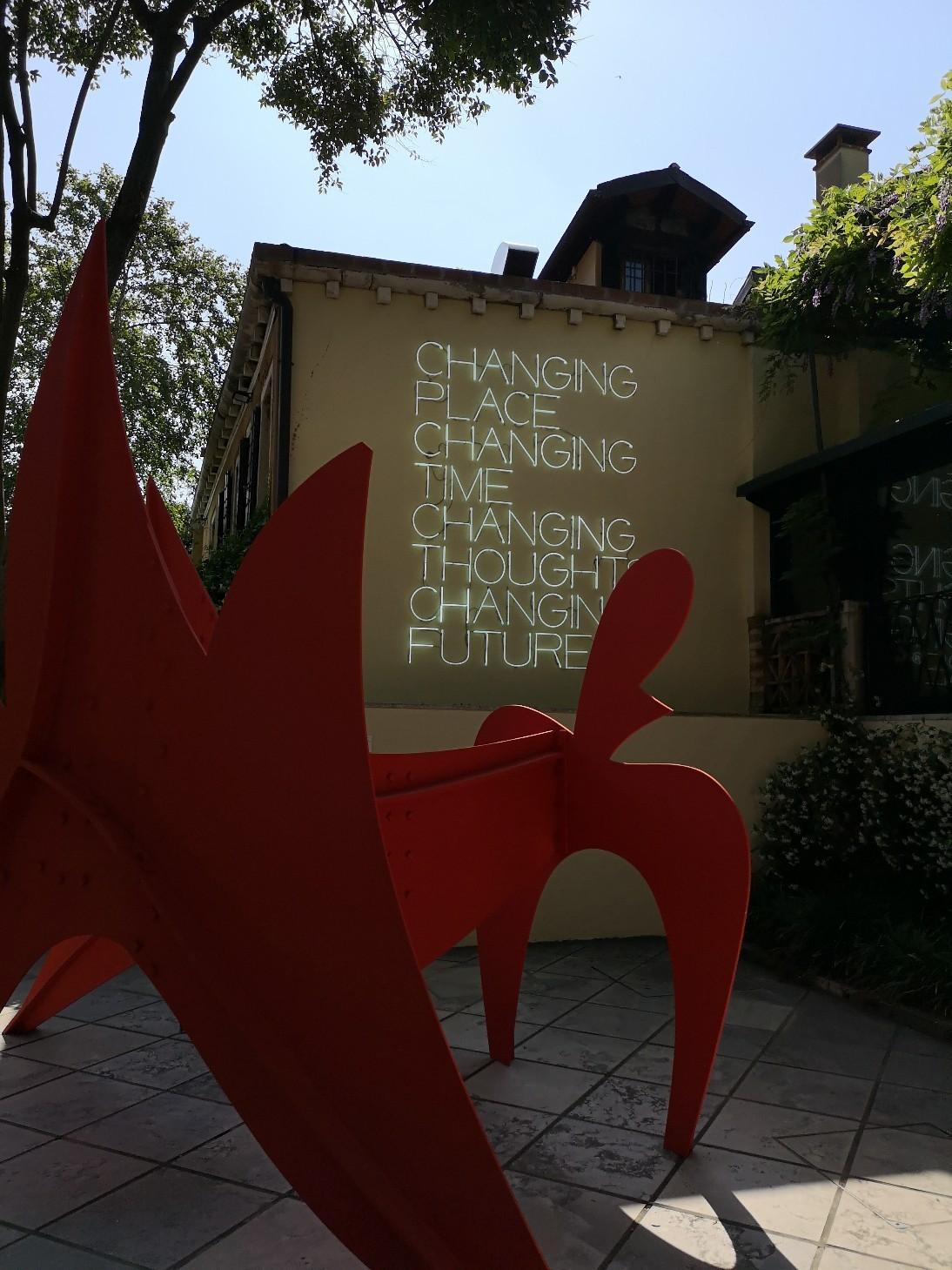 ヴェネツィア、ペギー グッゲンハイム美術館と思想の色_f0106597_22020456.jpg