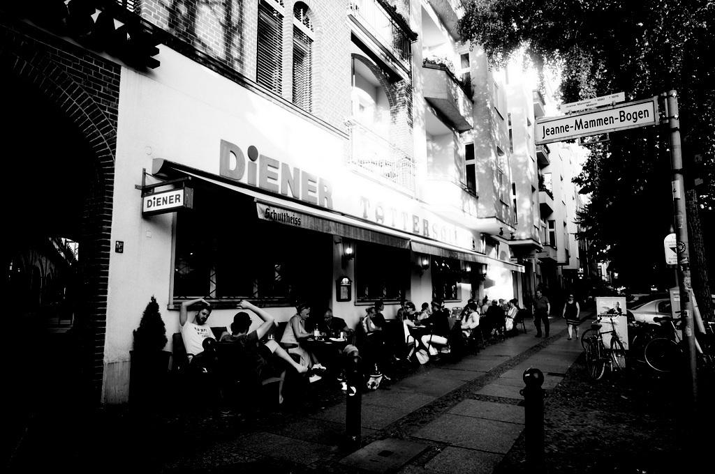 旧西ベルリンの顔ふたつ_c0180686_01355727.jpg