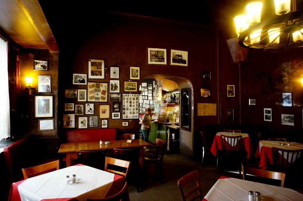 旧西ベルリンの顔ふたつ_c0180686_01375743.jpg