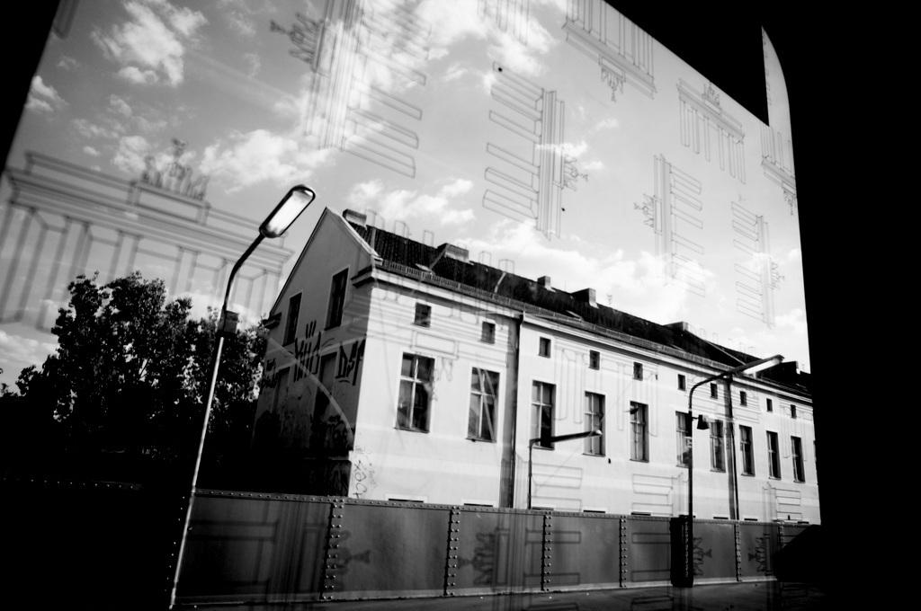 旧西ベルリンの顔ふたつ_c0180686_01391509.jpg