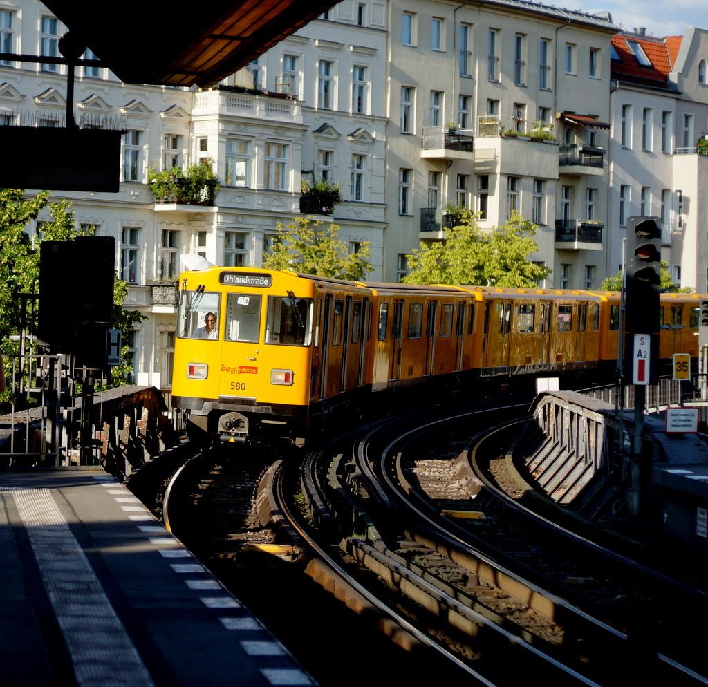 旧西ベルリンの顔ふたつ_c0180686_01410559.jpg