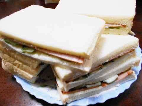 朝食 焼き豚サンドイッチ_f0019498_06531317.jpg