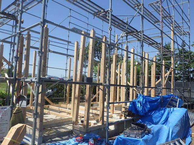 矢巾 田園の中の家 建て方作業スタート!_f0105112_04460995.jpg