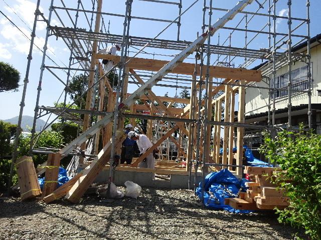 矢巾 田園の中の家 建て方作業スタート!_f0105112_04532185.jpg