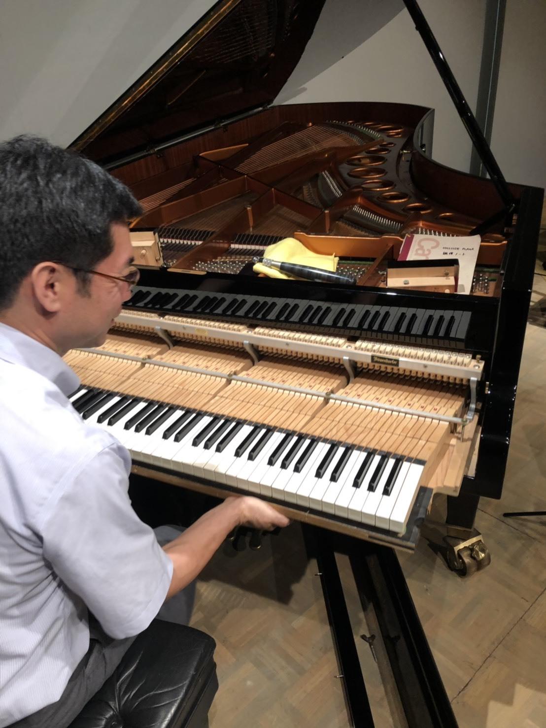おとな絵本の朗読会「ピアノ調律師」を上演しました!_f0346597_20335911.jpg