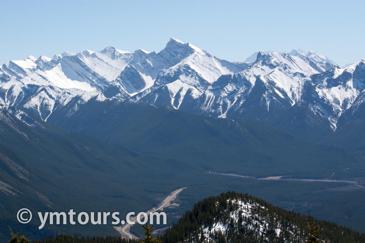 現地ガイドお勧め。カナディアンロッキーで登るべき山 トップ10 [目指せ登頂!]_d0112928_05302763.jpg