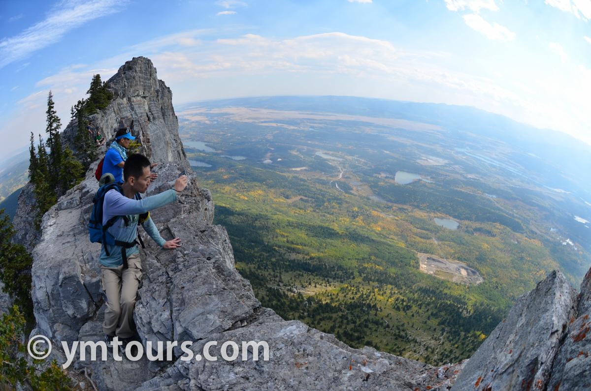 現地ガイドお勧め。カナディアンロッキーで登るべき山 トップ10 [目指せ登頂!]_d0112928_08470091.jpg