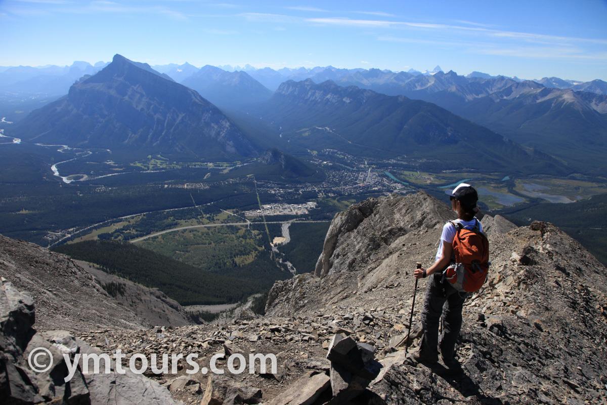現地ガイドお勧め。カナディアンロッキーで登るべき山 トップ10 [目指せ登頂!]_d0112928_09332703.jpg