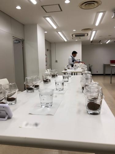 世界最高のコーヒーが待つクローズドのカッピング会へ。_f0203335_02422511.jpg