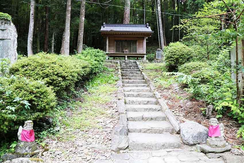 名西郡神山町「上一宮大粟神社」-2♪_d0058941_19392702.jpg