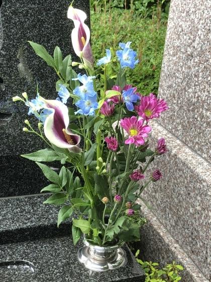 雨の墓参り_c0341450_09052233.jpeg