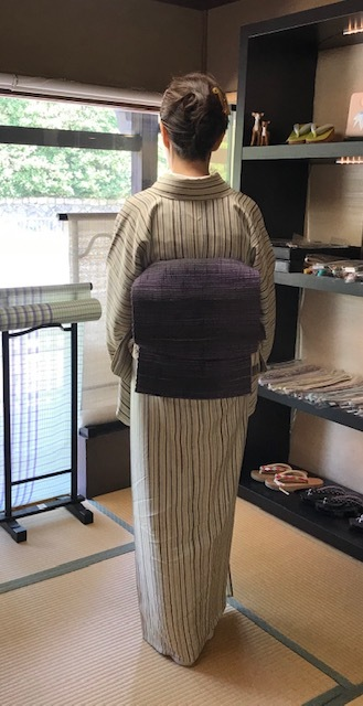 縞の単衣に百合の簪・燕の帯留のお客様・キラキラ帯留2_f0181251_18263416.jpg