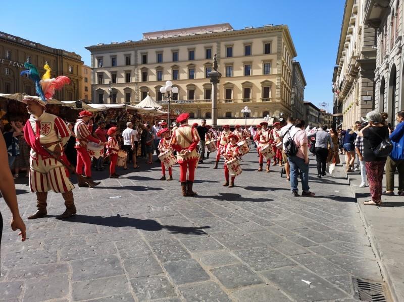 フィレンツェが一日お祭りの日~フェスタ・ディ・サンジョヴァンニ_f0106597_20021977.jpg
