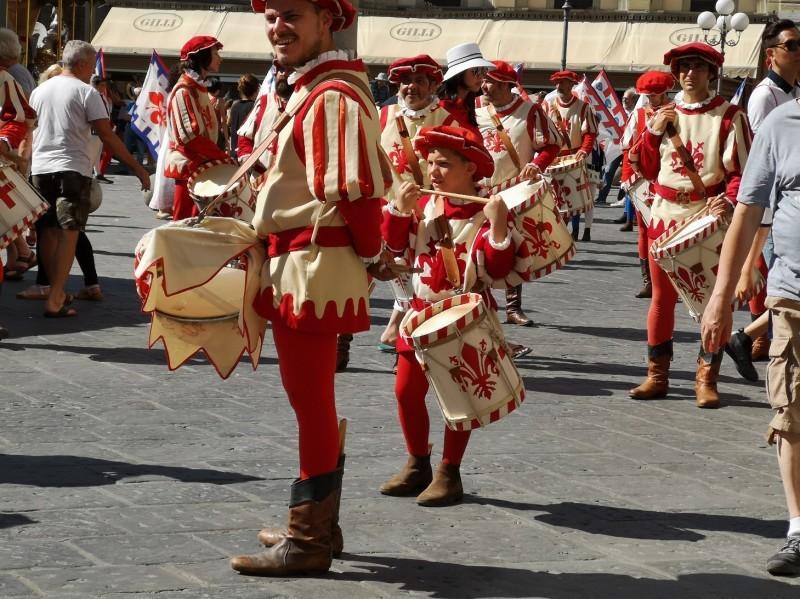 フィレンツェが一日お祭りの日~フェスタ・ディ・サンジョヴァンニ_f0106597_20023606.jpg