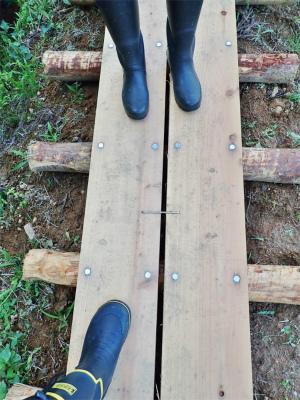 フットパスコースの木道工事が進んでいます_c0336902_21162429.jpg