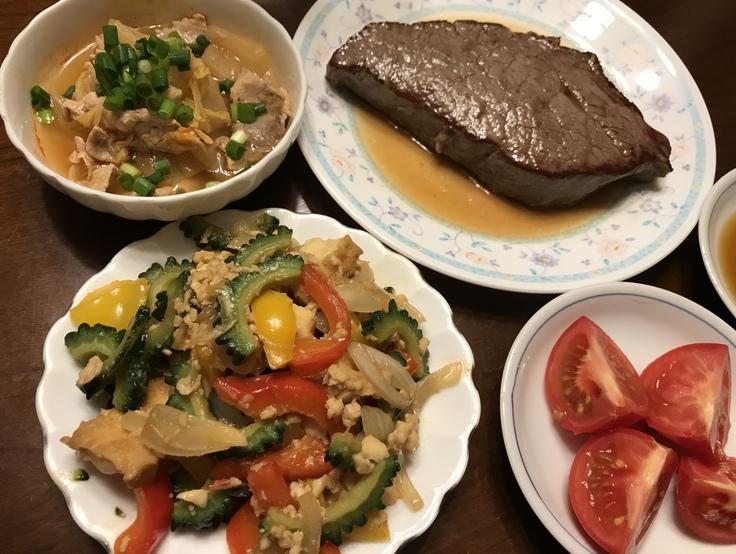 肉やゴーヤで ガッツリ晩ごはん♪_c0212604_1973788.jpg