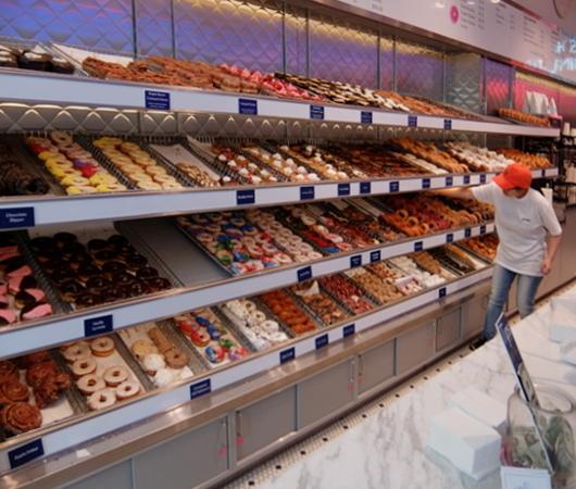 NYの老舗ドーナツ屋さん「ドーナツ・パブ」(The Donut Pub)が、突如、2号店⁉_b0007805_06203793.jpg