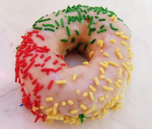 NYの老舗ドーナツ屋さん「ドーナツ・パブ」(The Donut Pub)が、突如、2号店⁉_b0007805_06255439.jpg