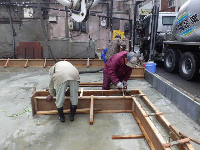 中央通り 居酒屋「茶の間」様 建替工事進行中。_f0105112_04104196.jpg