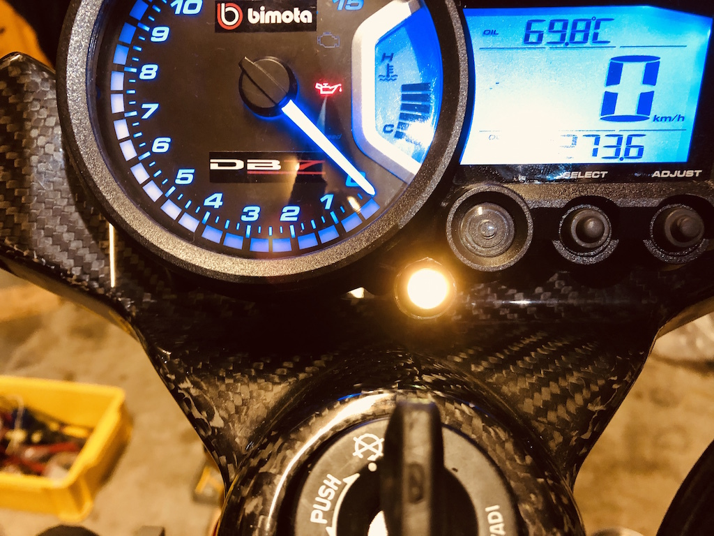 【DB7】燃料警告灯が消えない!?_e0159646_04433540.jpg