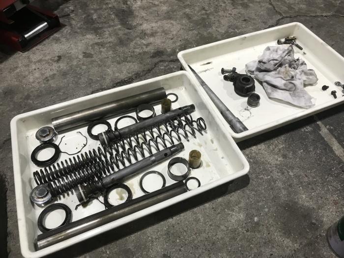 スティード400タイヤ交換とフロントフォークOHと修理_e0365651_00013723.jpg