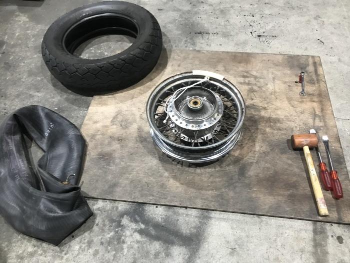 スティード400タイヤ交換とフロントフォークOHと修理_e0365651_00015798.jpg