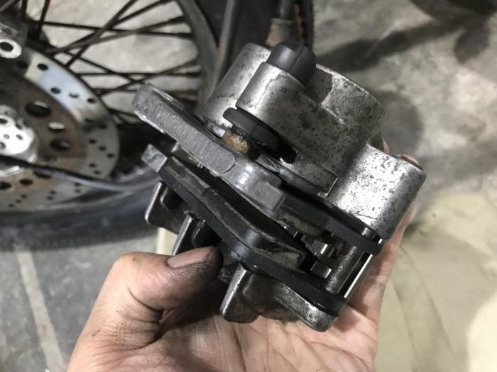 スティード400タイヤ交換とフロントフォークOHと修理_e0365651_00025360.jpg