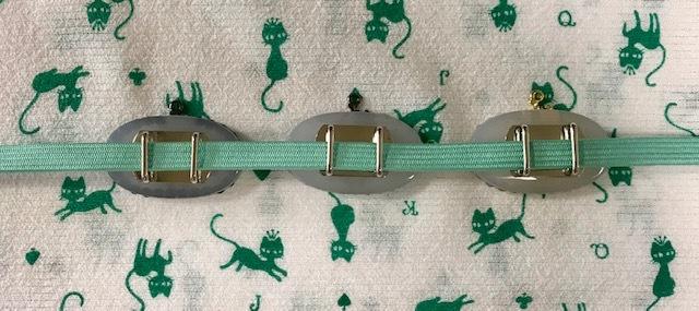 単衣の白大島にまいづる羅紗織のお客様・猫きらきら帯留。_f0181251_12355220.jpg