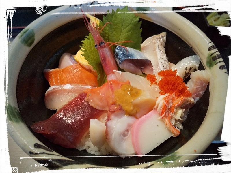 『和旬喰燗 魚家(ととや)』さん:Bランチ 海鮮丼_a0083760_09230340.jpg