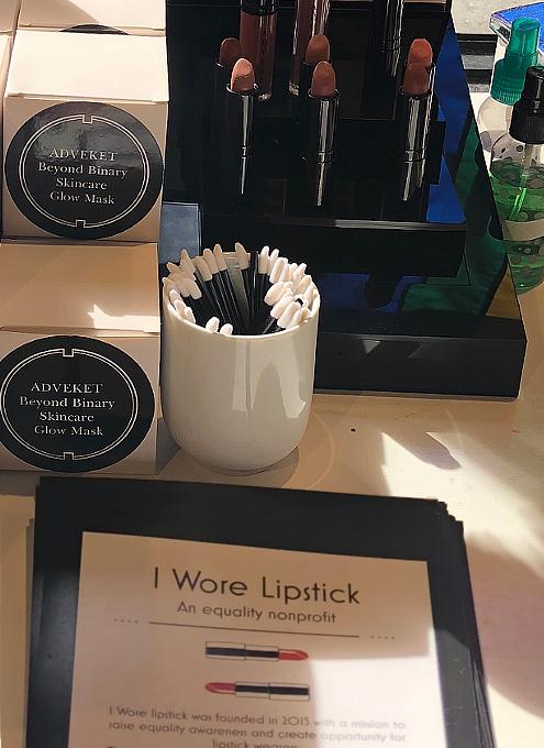 """""""I Wore Lipstick""""(わたし口紅つけました)というNPO団体_b0007805_21415904.jpg"""