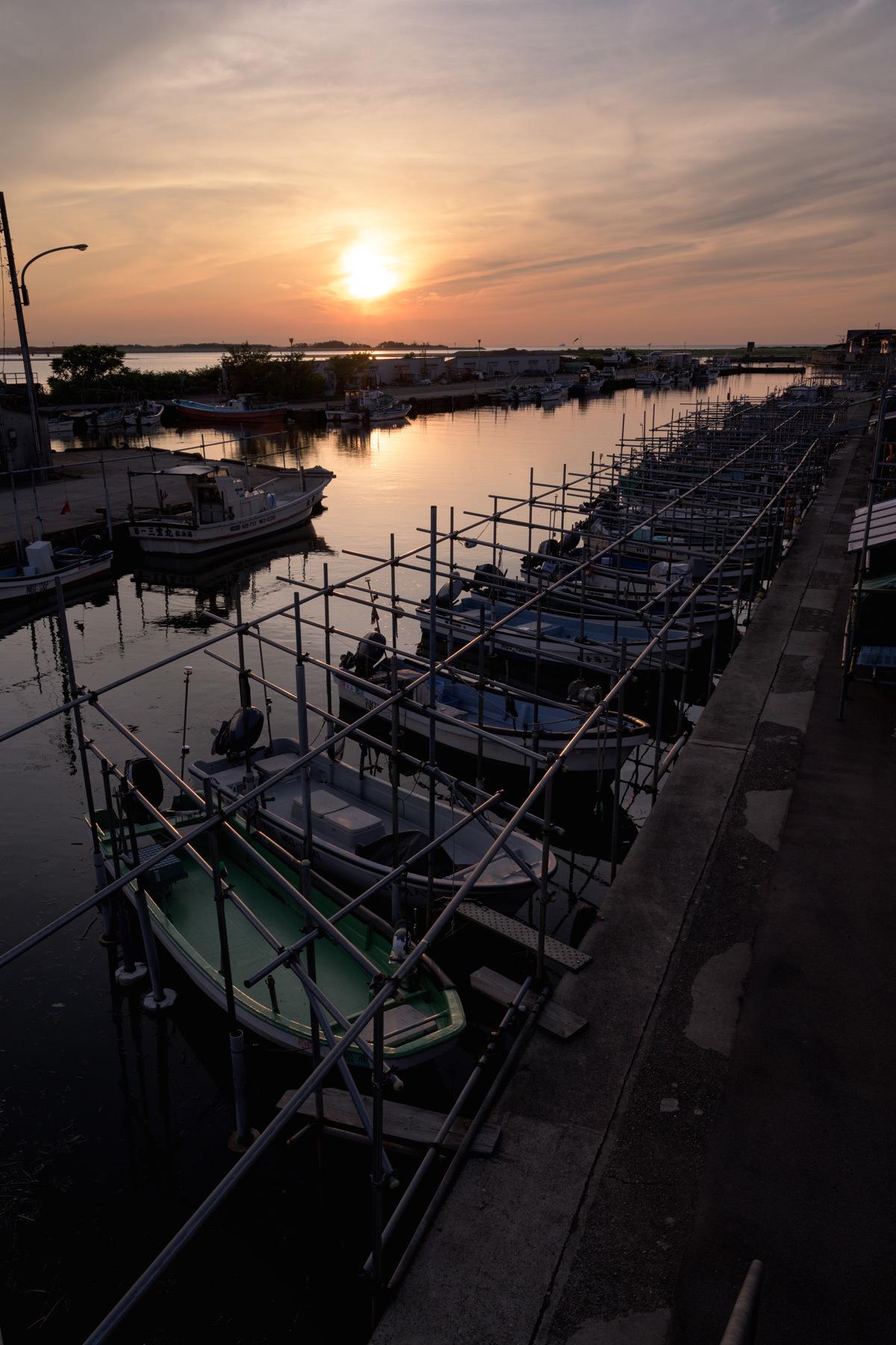 漁港 黄昏れ時_a0041722_16100211.jpg