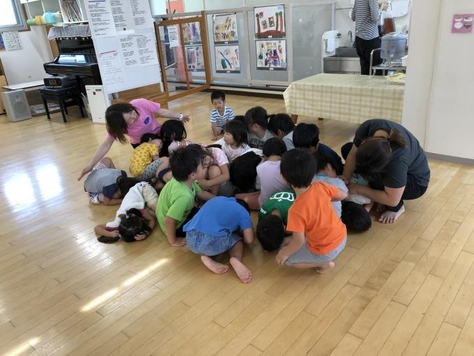 4・5歳児 ツバメとの出会い_b0117125_10425308.jpg