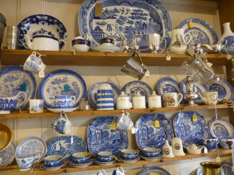イギリス旅行記4日目【Stow-on-the-wold】Tare Antique Centre_e0237625_13291958.jpg