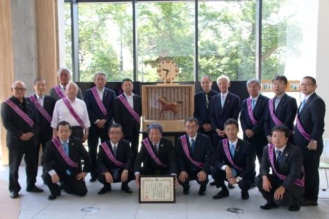 十和田八甲ロータリークラブがからくり時計を寄贈_f0237658_13171200.jpg
