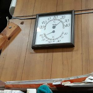 湿度計の針が。。_e0360486_16215133.jpg