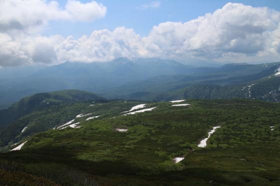 雪渓残る緑岳へ!_d0198793_11562409.jpg