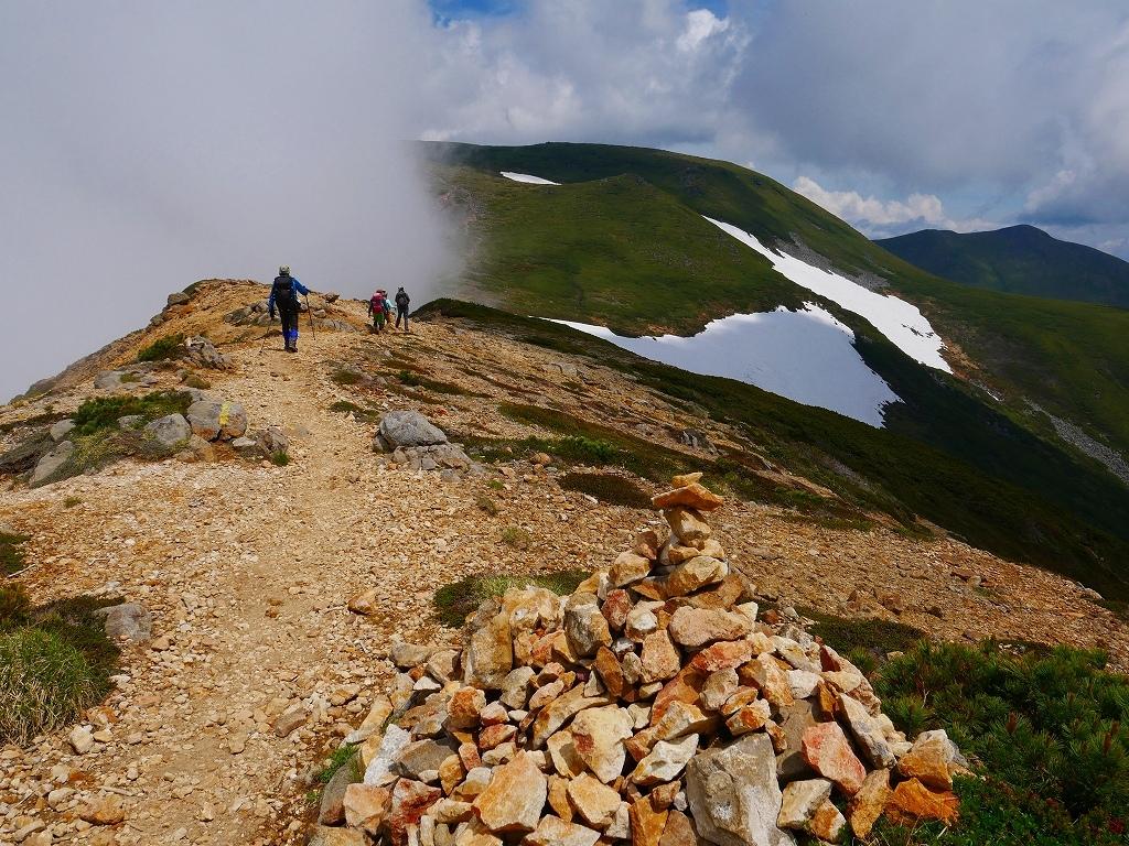 富良野岳、三峰山と上富良野岳、2019.6.24ー富良野岳から上富良野岳編ー_f0138096_21042149.jpg