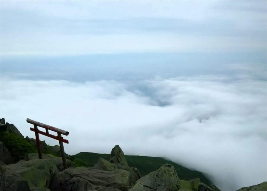"""【ただの雑記】簡単に""""雲の上""""に行く方法(岩木山)_f0205396_19453783.jpg"""
