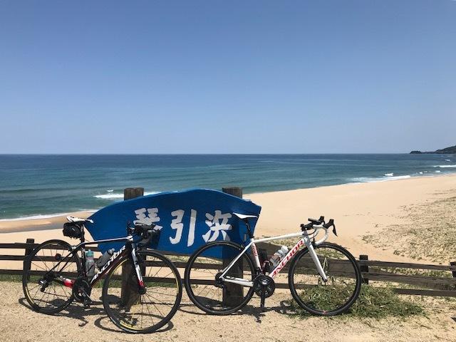 日本海の鮮やかな青と透明度_c0214359_23581993.jpg
