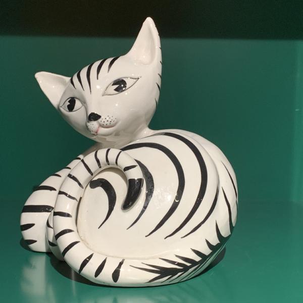 Italian cat_a0025778_12004373.jpg