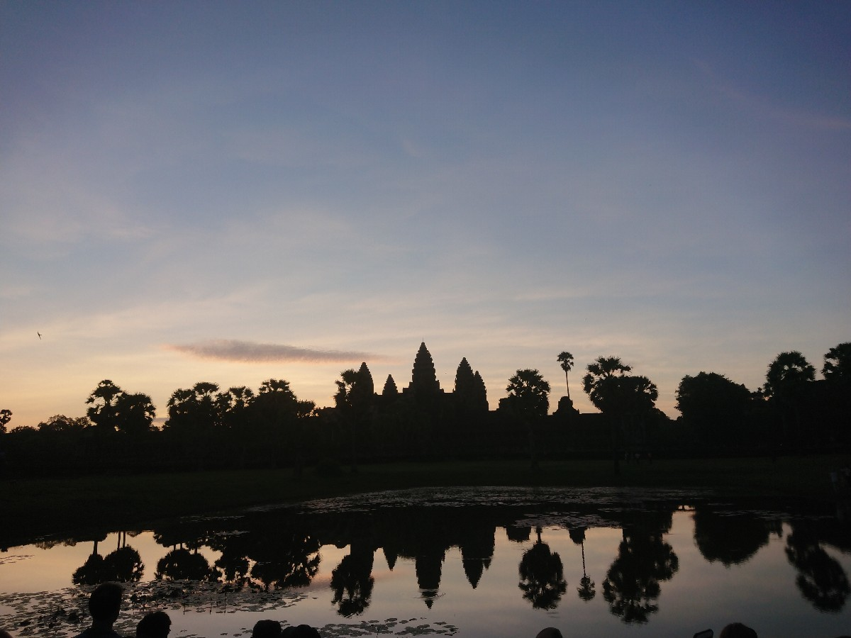 旅行3日~4日目はベトナムからカンボジアへ_f0323446_01192858.jpg