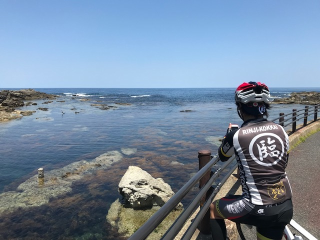 日本海の鮮やかな青と透明度_c0214359_00143919.jpg